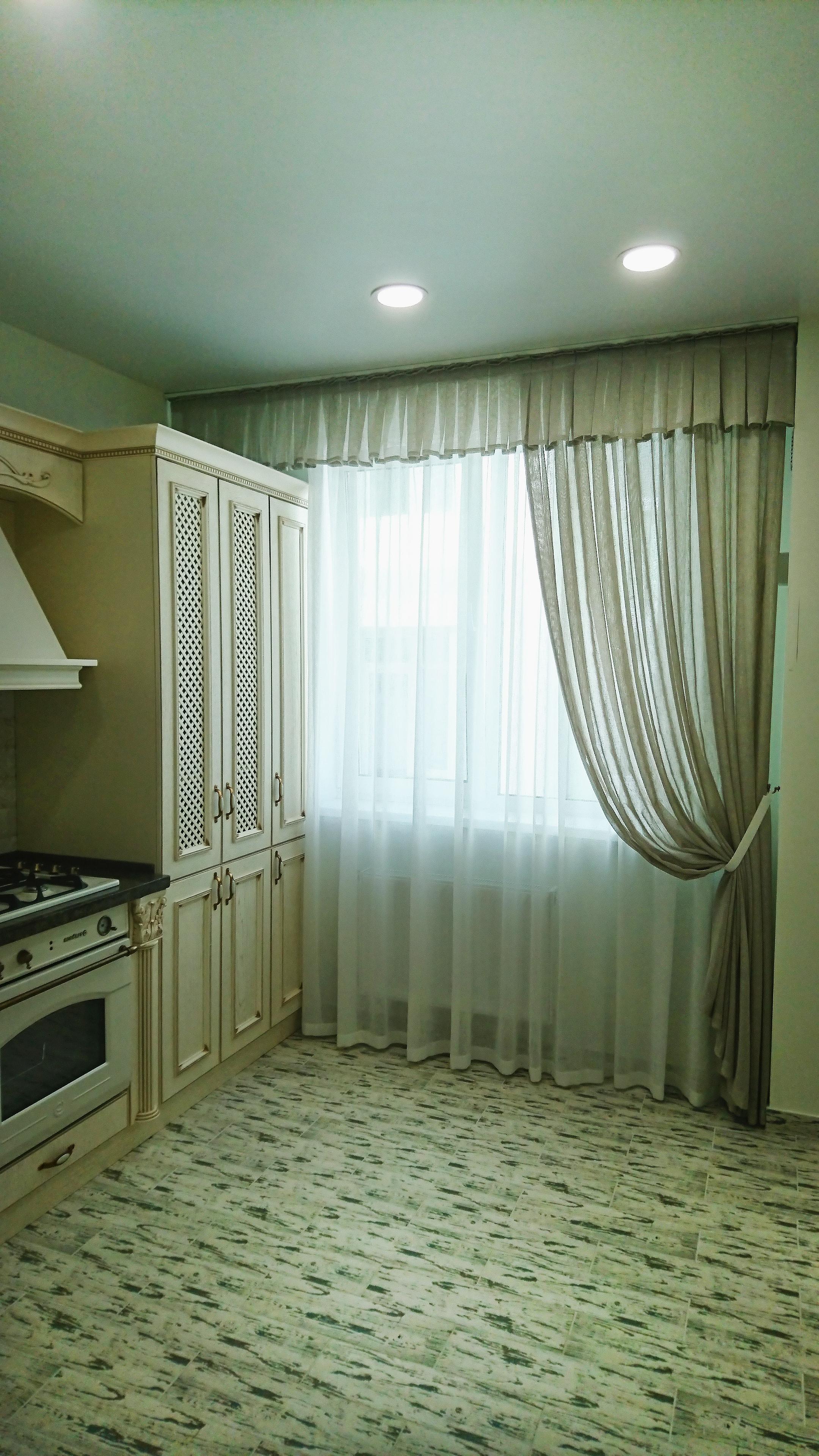 шторы в маленькую кухню