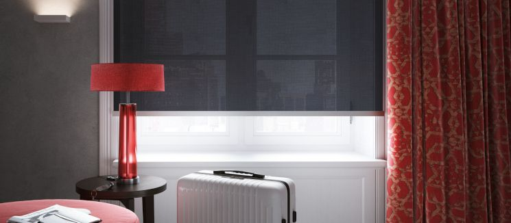 Sun blinds in the form of roller blinds